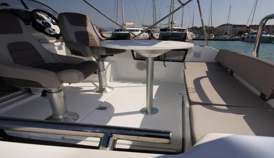rent_a_boat_novi_vinodolski_jeanneau_5.5_wa_9
